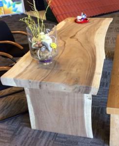 Boomstamtafel houten onderstel